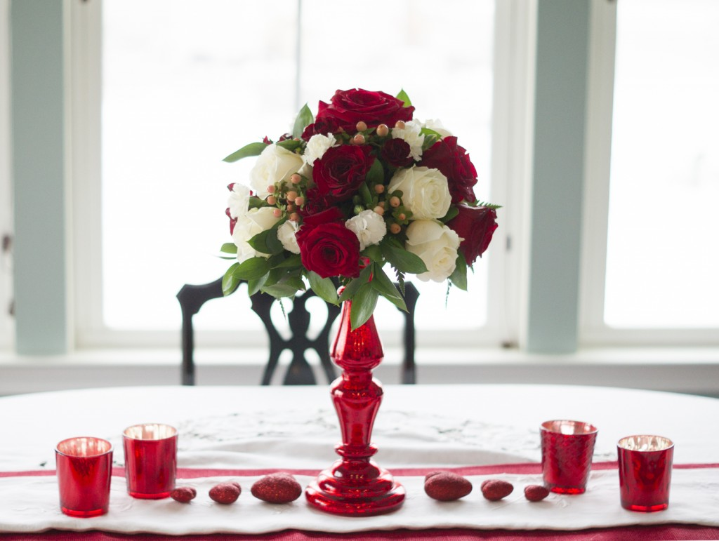 DIY Valentine's Centerpiece from Grocery Flowers