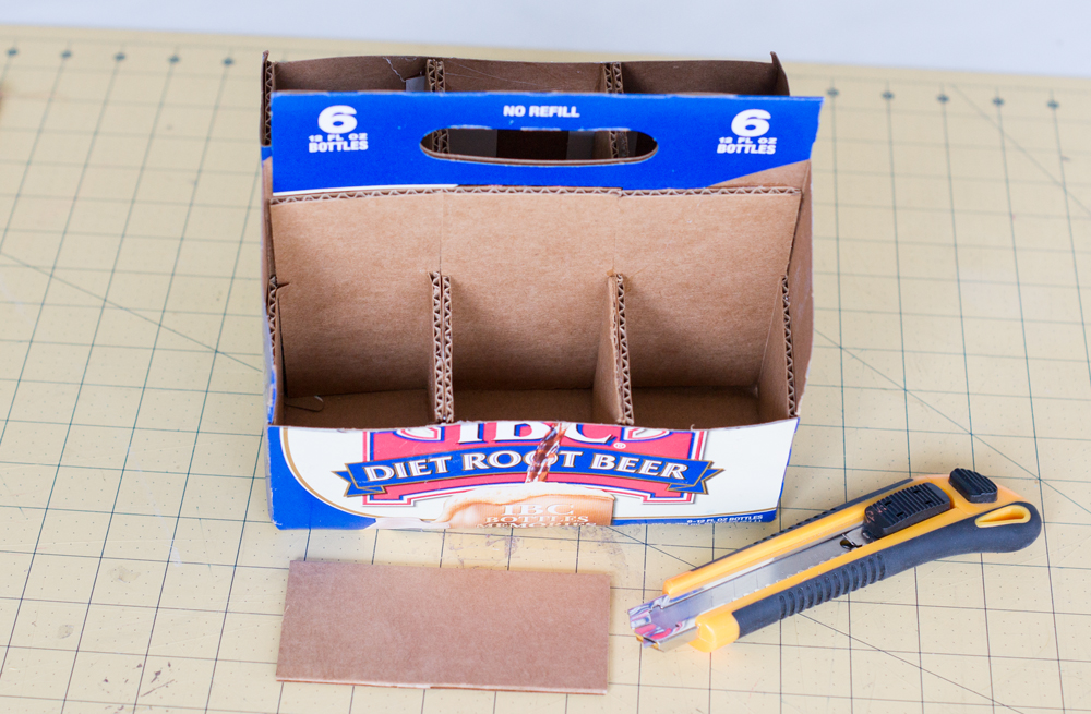 Make your own Homework/ Art/ Office Supply Caddy from odd and ends. Full tutorial from Paintyourselfasmile.com