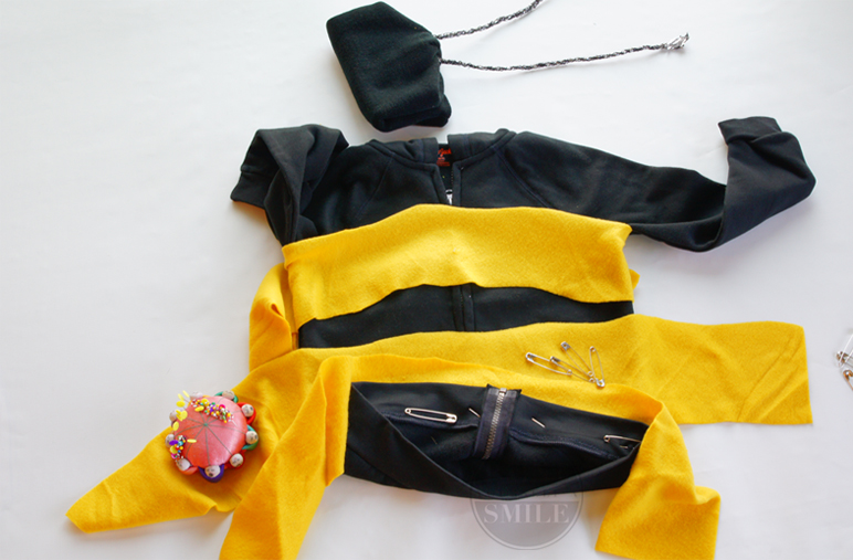 Really easy and super cute Bumble Bee Costume Tutorial! Homemade Halloween costume series at Paintyourselfasmile.com