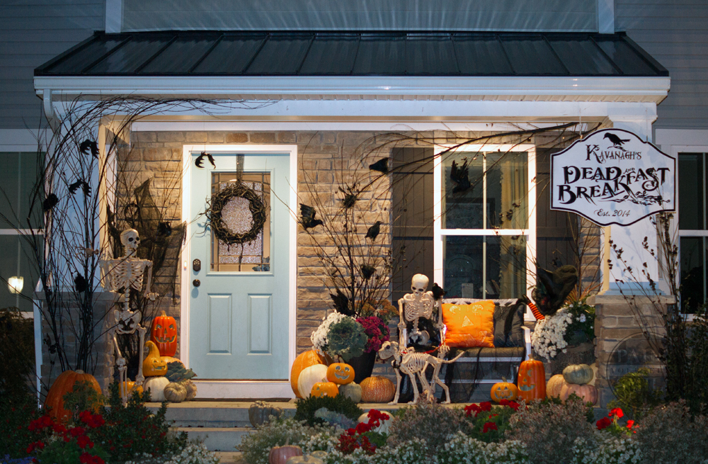 night-halloween-porch
